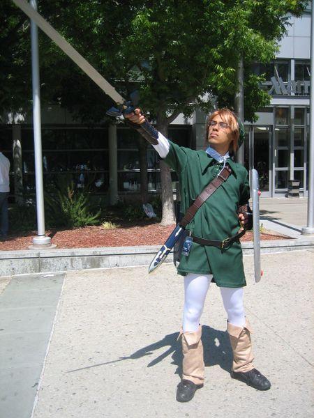 Un simpático fan de The Legend of Zelda caracterizado (Coslplay) de Link. Foto: HappyDayArt.typepad.com