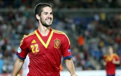 Isco celebra un gol con la camiseta de la selección