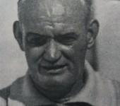 O´Connell, técnico que ganó la Liga del Betis, yace en una tumba sin nombre