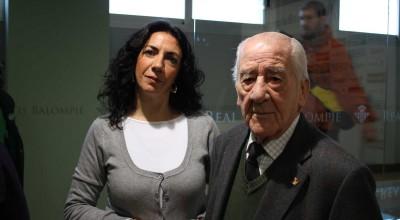 Reyes Aguilar, colaboradora de Radio Betis y Estilo Betis, lanzará el próximo 7 de noviembre su última obra sobre el Real Betis 'El Manquepierda: Una filosofía de vida'.